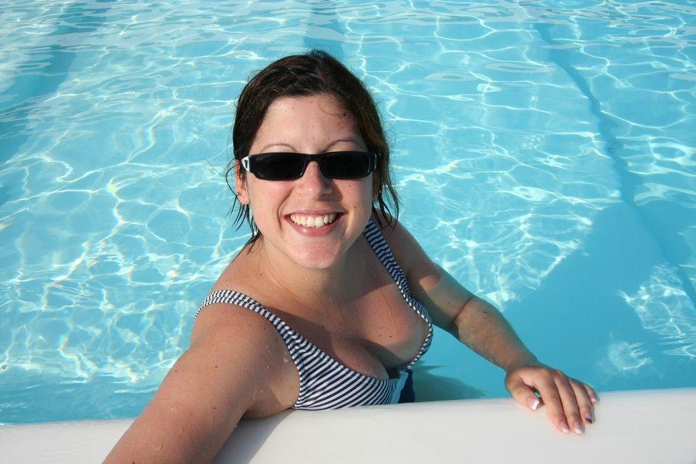 Moi A La Piscine moi dans la piscine - moi a la piscine